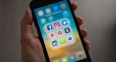 social media benefits business